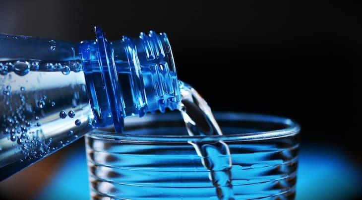 Wasser um mehr Alkohol zu vertragen