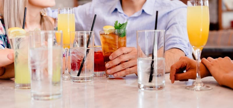 cocktails-1149171_1280